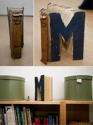 Letter made from a book-cute idea: Vintage Books, Books Monograms, Books Art, Cool Ideas, Book Letters, Design Home, Books Letters, Books Projects, Old Books