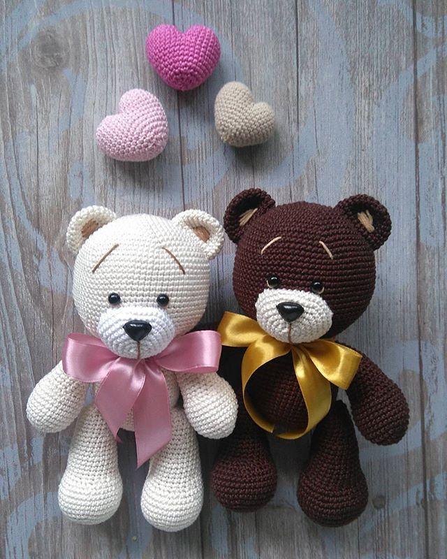 Пока это чудо у меня, решила устроить им фотосессию #weamiguru #villy_vanilly_shop #amigurumi #crochet #вязаныймишка #bear