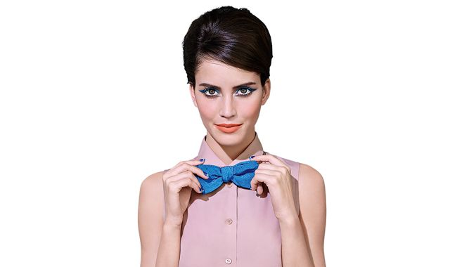 Wiosenna kolekcja Bourjois to piękne kolory, odważne połączenia i doskonałe kosmetyki! Bourjois pisze na nowo historię koloru, inspirowaną najnowszymi trendami prosto zParyża. Historię z nutką elegancji, wibrującymi akcentami niebieskiego oraz zmysłowymi odcieniami nude. W Bourjois, każde nowe połączenie kolorów tworzy odrębną historę … Kolekcja Paryż Arty Chic czerpie inspirację z lat sześćdziesiątych, stylu Art Deco