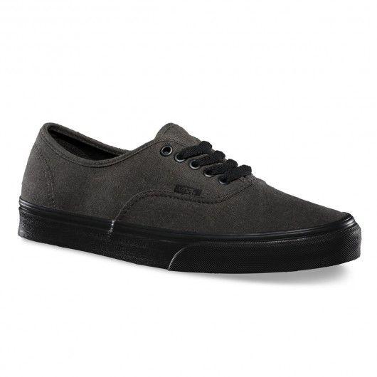 #vans #vansotw #vansoffthewall #vansshoes #skateshoes #shoes #chaussures VANS Authentic washed black black chaussures homme 65,00 € #skate #skateboard #skateboarding #streetshop #skateshop @playskateshop