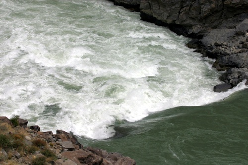 First Descents of the Salween River (Nu Jiang or Nak Chu) in China