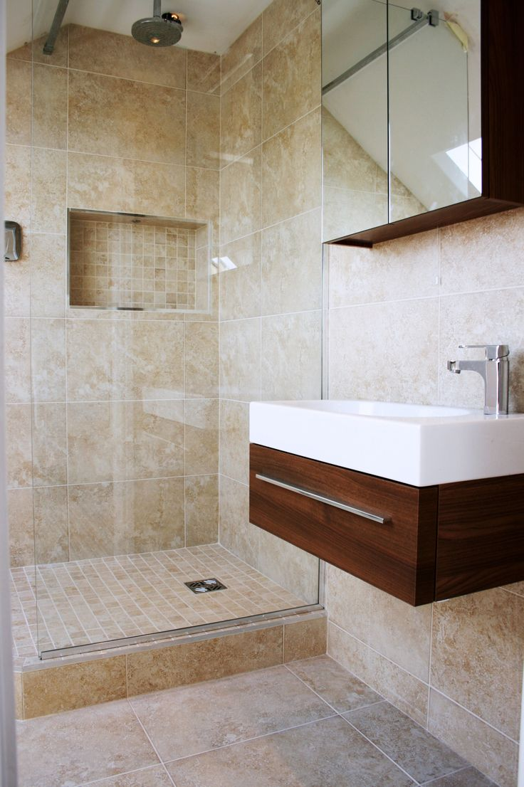 Traditional bathroom / wet room.  For a free consultation call: 0113 262 5954 http://www.redesignexperts.co.uk/