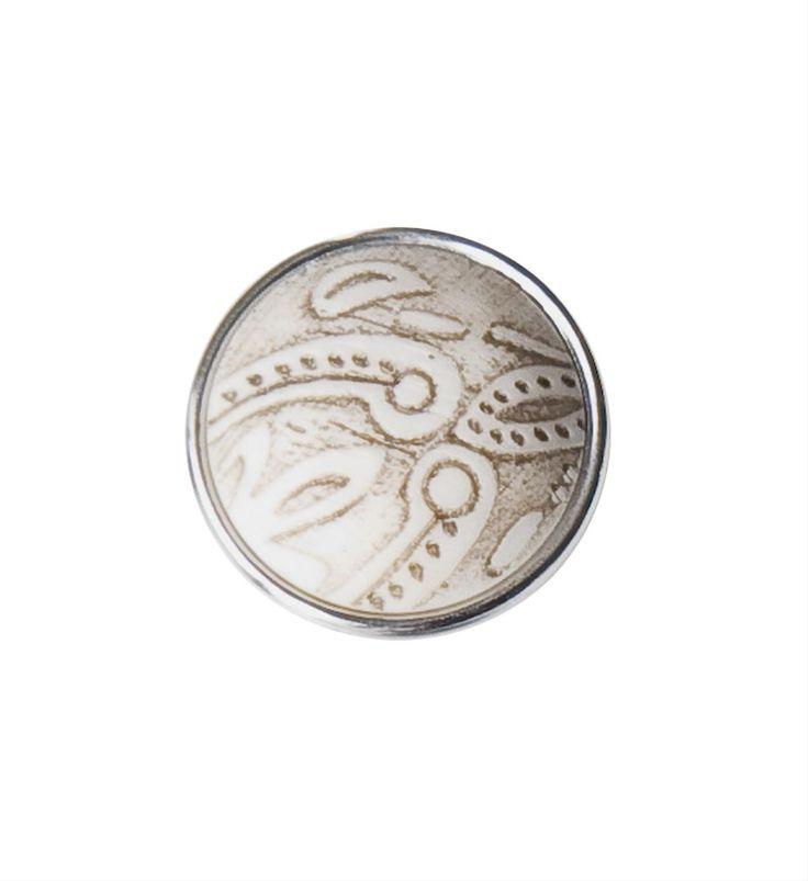 Noosa chunk KORU. Deze chunk staat voor een veel gebruikt symbool van de Maori in Nieuw Zeeland. Het symboliseert nieuw leven, groei, kracht en vrede - NummerZestien.eu