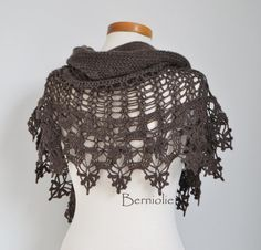 INSTANT DOWNLOAD SIOBHAN Crochet shawl by BernioliesDesigns