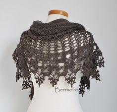 INSTANT DOWNLOAD SIOBHAN Crochet shawl by BernioliesDesigns