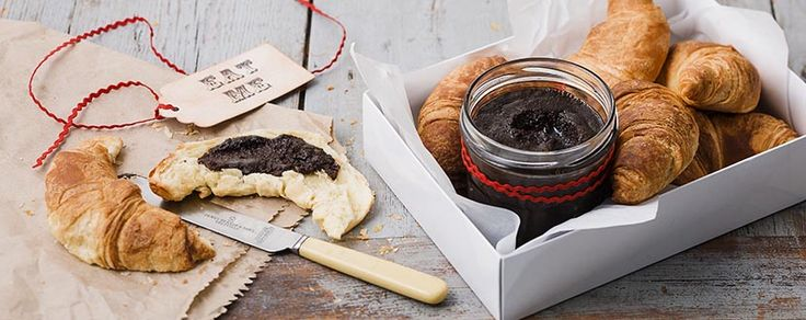 Spread the love this Mother's Day with this DIY Gooey Chocolate Hazelnut spread.