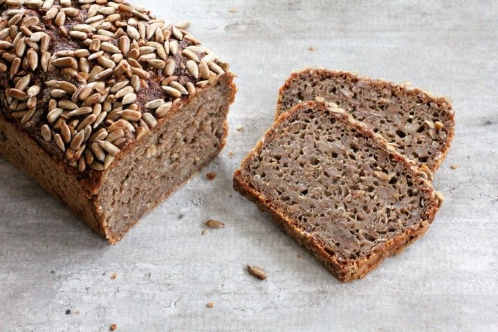 Danskt rågbröd med hela rågkärnor – Bröd&Kvarn