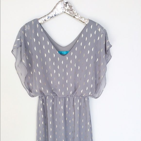 """Metallic Printed  Dress Gorgeous little dress has the perfect amount of gold metallic detail. Dress is lined in polyester. Length 34"""" 100% Polyester Worn once, no signs of wear. Buttons for Francescas  Dresses"""