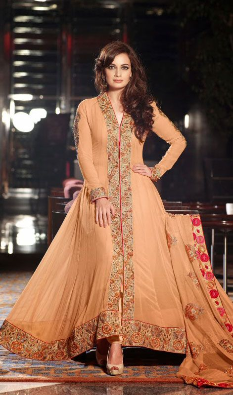Dia Mirza Peach Georgette Long Anarkali Suit Price: Usa Dollar $142, British UK Pound £83, Euro104, Canada CA$152 , Indian Rs7668.