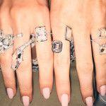 De mão cheia: a moda da vez é preencher os dedos com múltiplos anéis