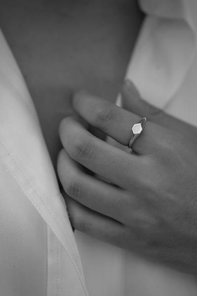 Mini signet ring in silver. myeldesign.com