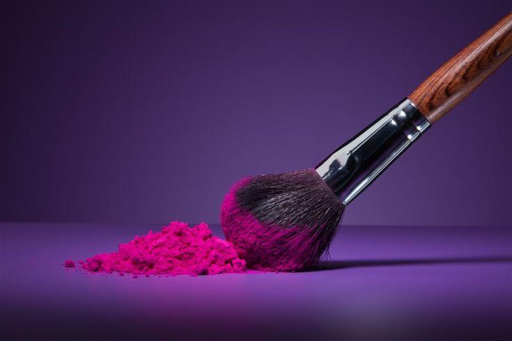 makyaj fırçalarını Öğrenin ! Kusursuz makyajın sırrı kullanılan malzemelerde ve makyaj fırçalarında yatıyor… Peki, en temel ve gerekli