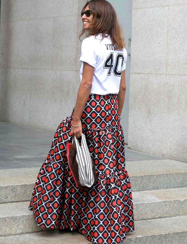 Maxi jupe + tee-shirt sporty = le bon mix (photo Fashionista)