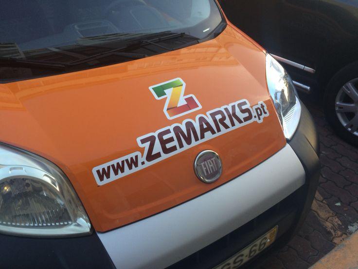 Decoração viatura Zemarks, vinil e laminação cast.