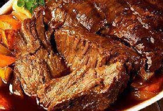 Ingredients: 3 pound beef roast such as chuck roast 1 envelope of dry Italian salad dressing mix 1 envelope of dry ranch salad dressing mix 1 envelope of dry brown gravy mix 2 cups water Instructions : Put the water in a measuring cup that is larger then the amount of water you are using. Now add an…