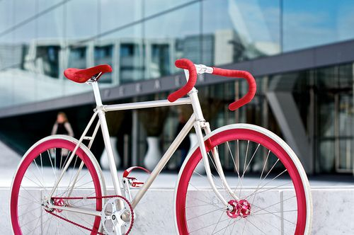 Red Blooded #Fixie by Felipe Hefler