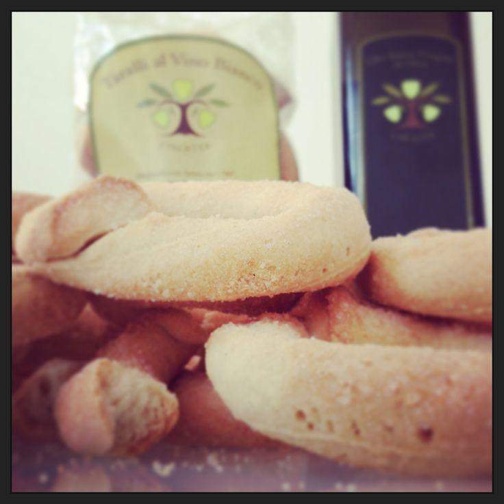 Taralli al vino bianco e olio extravergine d'oliva @Itrescudi
