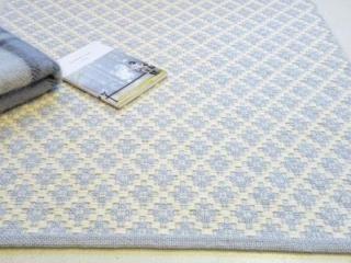 Linida Design-matto villaa ja pellavaa,vaalea harmaa ja valkoinen, saatavana monta eri väriyhdistelmää ja kuviomallia - Astubutiikkiin.fi