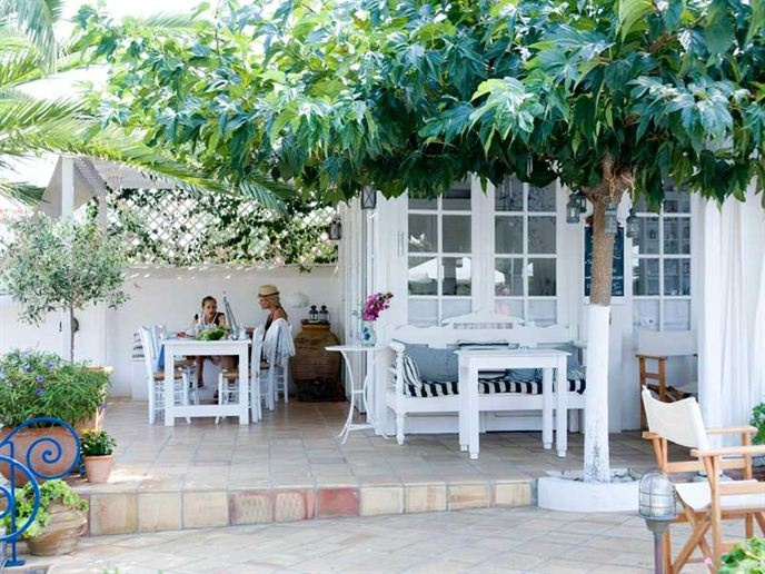 Villa Ippocampi, a beautiful new place to stay in Crete.