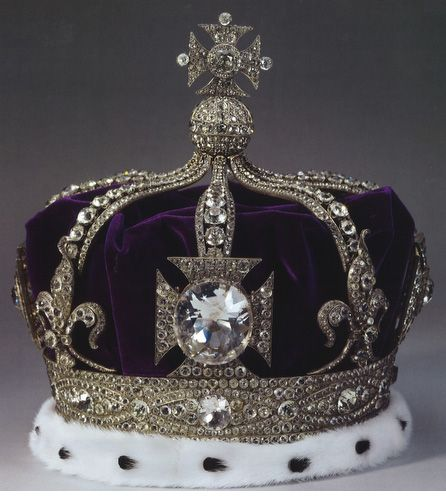 http://www.rollingems.com/index.php/gemmologia/gemme/184-i-diamanti-vip Il Ko-hi-noor è un celebre diamante da 105 carati (21,6 g) che è stato per molto tempo il più grande diamante conosciuto al mondo. Il Koh-i-Noor è stato probabilmente estratto attorno al 1300 dalla miniera di Kollur, una delle celebri miniere diamantifere dell'antica Golconda, in India.