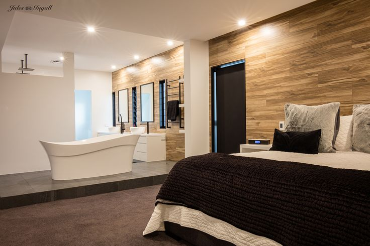 The Victoria and Albert pescadero bath and amalfi 55 basins were used in this open plan industrial inspired master bedroom and ensuite. Victoria and Albert is imported and distributed in Australia by Luxe by Design, Brisbane. Call us today to find a local retailer. 07 3265 7133