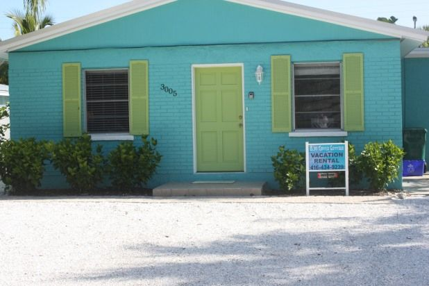 Fall Dates Available   Sept 24-Oct 1 Fall Special. Florida vacation rentals. Blue Turtle Cottage is a private house 1 property from the beach in Holmes Beach on Anna Maria Island. You will love the location,  newness and private pool.  Holmes Beach is the central of 3 small cit vacation rental.