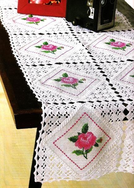 http://1.bp.blogspot        /AAAAAAAAW6k     Lidia/Centro+de+Mesa+c+Squares+Croche+e+PC+.JPG