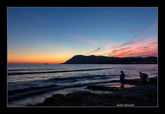 L'oeil et les mots: La plage des Sablettes au soleil couchant