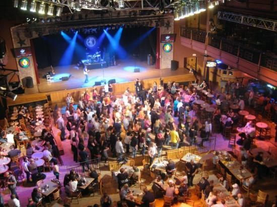 Wildhorse Saloon A Three Level Historic Warehouse Of Live Music Dance Simultaneously Restaurant Bar Concert Site Nashville Tn Arts