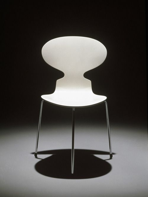 Arne Jacobsen, chair Myren (=Ant), 1952. Photo: Republic of Fritz Hansen ®