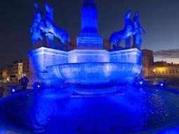 Si sono illuminati di blu per la Giornata Mondiale della consapevolezza dell'autismo promossa dall'Onu - Corriere della sera