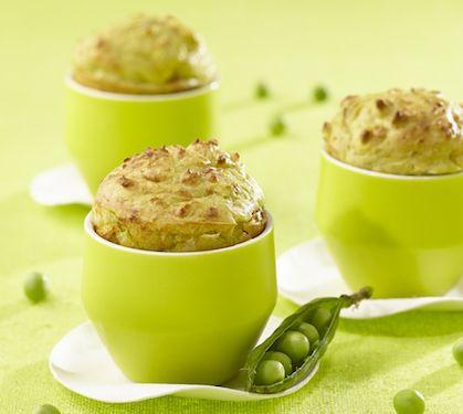 Ces jolis Mug petits pois seront prêts en 4 min ! Plus de recettes express ici : www.enviedebienmanger.fr/idees-recettes/recettes-express