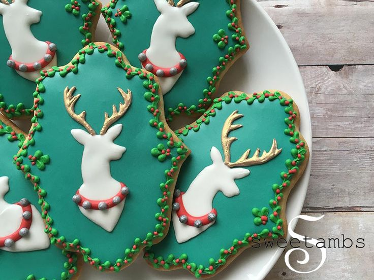 These reindeer cameo cookies for Christmas are amazing!