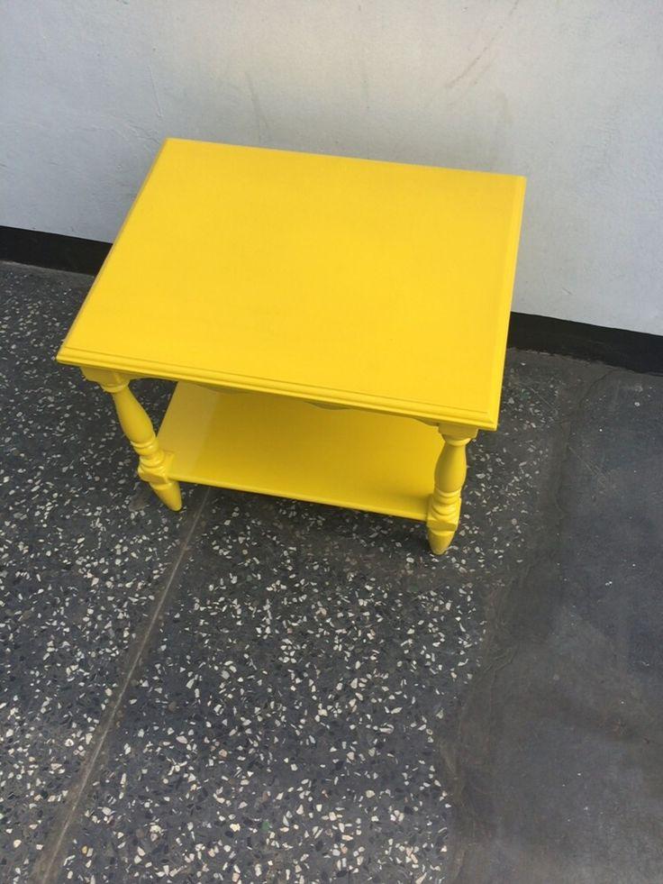 Yellow!  mesa vintage remodelada.  Decorando el depa nuevo.