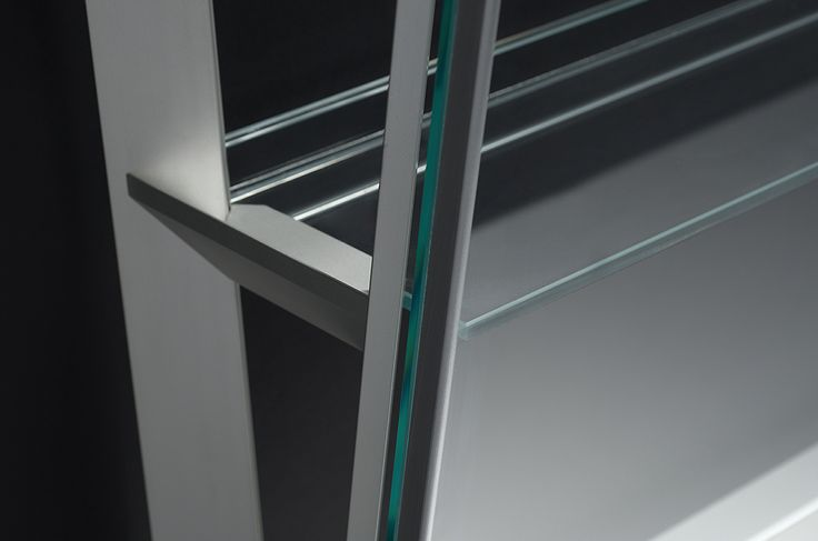 bulthaup solitaires – the quality and precision of the wall-mounted shelving element manifest themselves in the details. milan2014.bulthaup.com