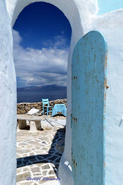 • Το γαλάζιο της Μυκόνου, Μύκονος, Κυκλάδες, Αιγαίο, Ελλάδα  • The blue of Mykonos, Mykonos, Cyclades, Aegean sea, Hellas ( Greece ) Fotographer : George Stasinos