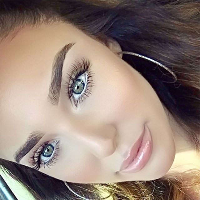 quick classic look. I used @anastasiabeverlyhills new brow definer in Soft Brown with Clear brow set.I used @ardell_lashes Wispies and added a coat of theyre real mascara from @benefitcosmetics then finished with Mac Pure White chromaline.I used LauraMercier oil free tinted moisturizer with @benefitcosmetics Hoola Bronzer and Mac NW20 Mineralized concealer to hi light ✨ lips are just Mac Prrr lipglass. You can see more details on my SnapChat: CourtMontes