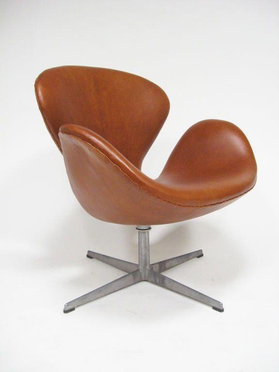 Arne Jacobsen Swan Chair In Cognac Leather By Fritz Hansen