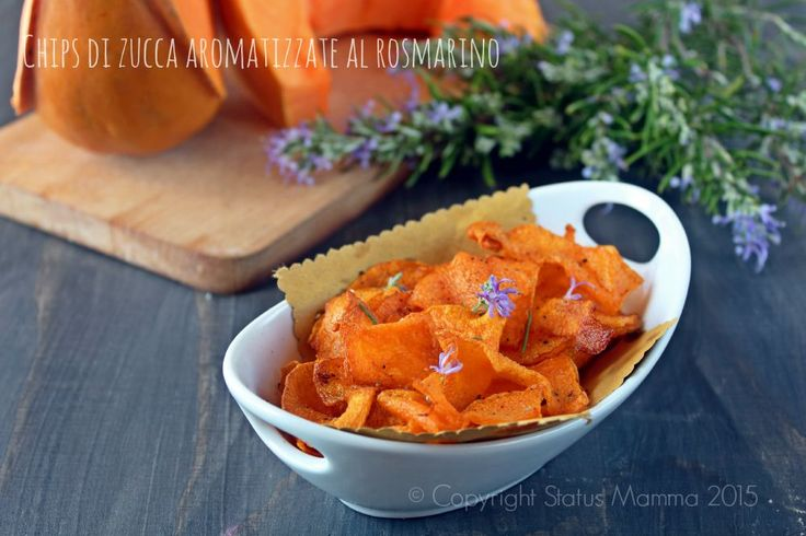Come preparare delle deliziose chips di zucca aromatizzate al rosmarino, ricetta cucinare antipasto fingerfood vegetariano vegan semplice e veloce © Copyright Status mamma 2015 Giallozafferano Gialloblogs