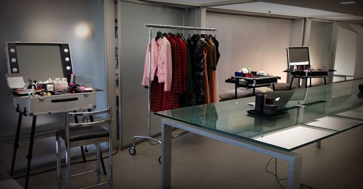 """Cantoni for tv serie """"Il bello delle donne"""". Cantoni furnishings sets and backstages with its products of high quality and with its mobile stations gives life to typical atmosphere of dressing room: so familiar and close to the entertainment world. #cantoniforcinema #cantonibackstage #ilbellodelledonne"""
