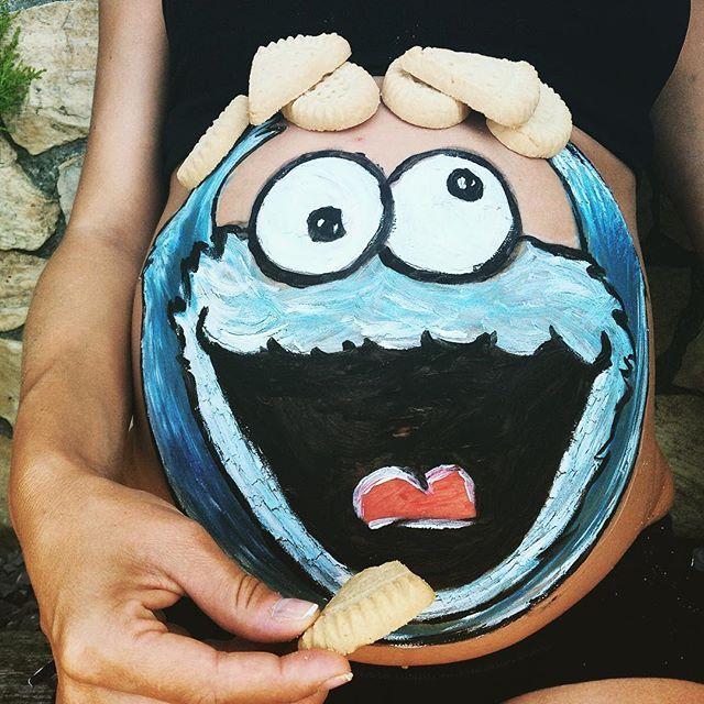 ¡Un día! 👶🏼 •  #bellypainting #monstruodelasgalletas #cookiemonster #embarazo…