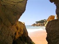#bestbeach #kids #holiday This sandy blue flag beach is ideal for small children as they can explore the rock pools when the tide is out. Lots of shops and restaurants to choose from on the promenade. Read more about things to do in the typical Algarve fishing village, Olhos de Agua  http://www.greatholidaylocations.com/things-to-do/amble-guides/olhos-de-agua-in-a-day/