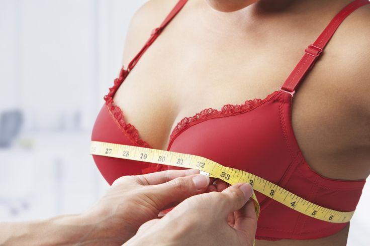 Viele Frauen wissen nicht, welche Körbchengröße sie haben. Dabei ist es gar nicht so schwierig, die richtige BH-Größe zu finden: http://www.erdbeerlounge.de/fashion/styling-tipps/so-findest-du-die-richtige-bh-groesse/