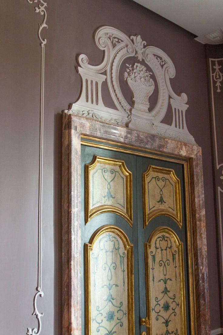 Cornici in gesso per porte free cornici per porte - Cornici decorative in gesso ...