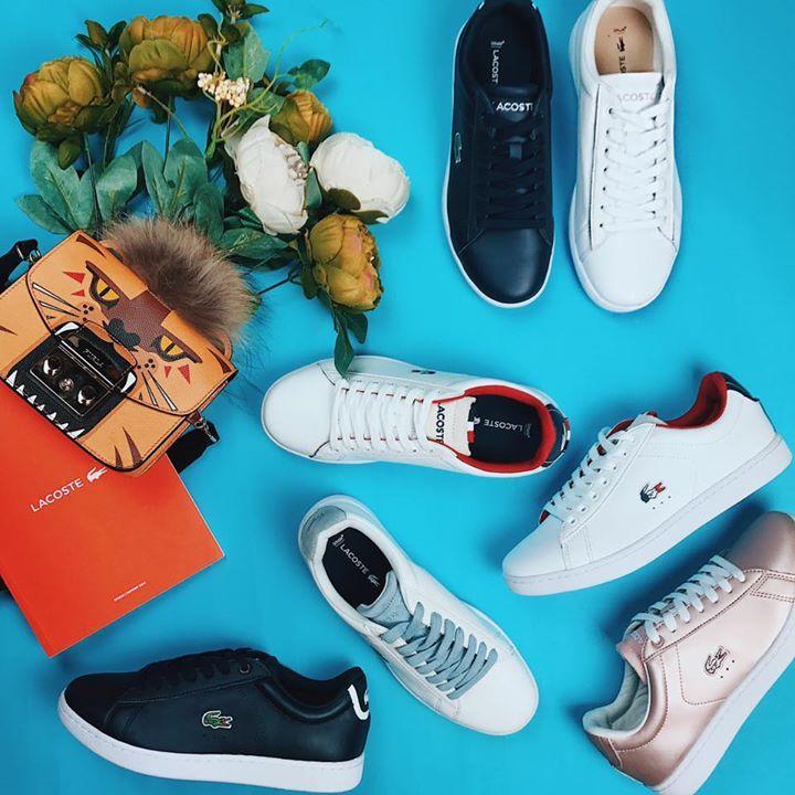 Sneaker da thật Lacoste hàng mới cứng từ chuyền sản xuất date mới 05/2017 siêu nuột.  Lần này về cực nhiều mẫu bản logo cá sấu màu cờ pháp lót kẻ - thiết kế mới nhất của lacoste năm nay.  Giá nhà Cat lúc nào cũng ngọt ngào và cực yêu thương luôn ạ!!  Size số shop up dưới từng ảnh mọi ng nhé.   Thông tin mua hàng: 👠Địa chỉ mua hàng trực tiếp: Cat Export Shoes - Địa chỉ duy nhất:  số 1 ngõ 9 Hoàng Cầu, Đống Đa, Hà Nội (như bản đồ trên ảnh bìa của Pages). Mở cửa từ 9h đến 22h. ☎️Khách online…