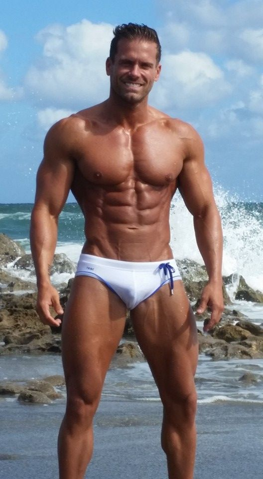 sexiest naked muscle men