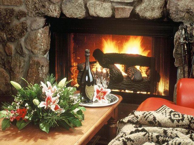 Free Fireplace Screensaver with Sound | Screenshots of Free Fireplace Screensaver:
