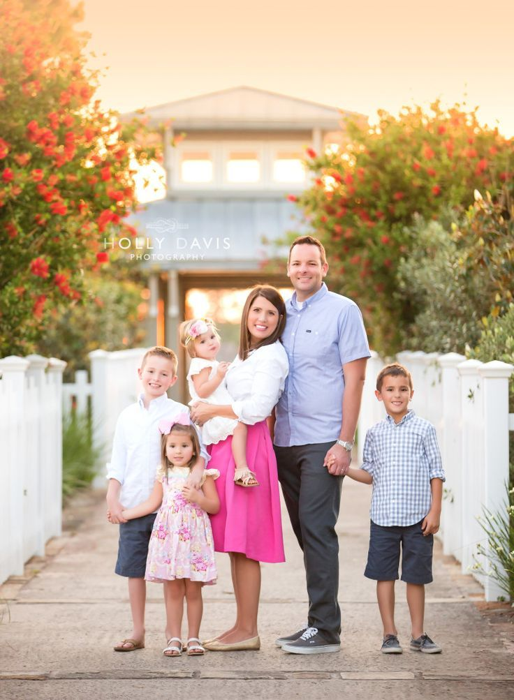 Preppy family style, family of 6 portraits, family session, screw style, Holly Davis Photography | The Woodlands, TX