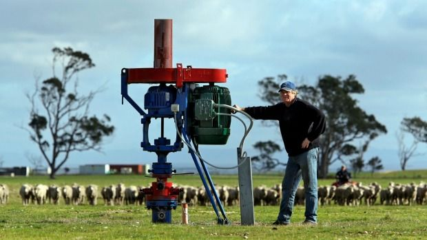 Fracking ban: Labor MP urges Andrews government for permanent CSG ban Date November 1, 2015   Read more: http://www.theage.com.au/victoria/fracking-ban-labor-mp-urges-andrews-government-for-permanent-csg-ban-20151031-gknkc8.html#ixzz3rZ5fmV3s  Follow us: @theage on Twitter | theageAustralia on Facebook  A coal seam gas exploratory well.