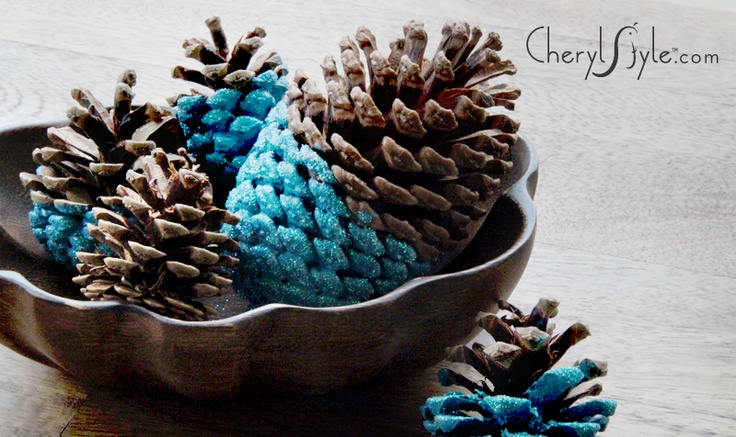 DIY Paint-Dipped Pinecone Centerpieces on http://www.cherylstyle.com